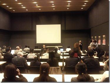 日本ガラス工芸学会 「平等院の瑠璃」テーマにシンポジウム